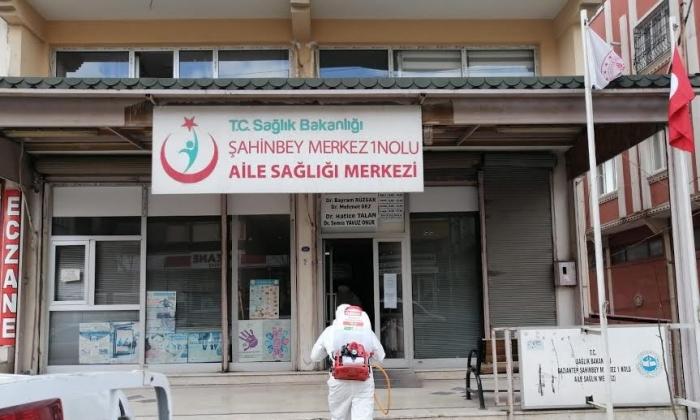 Şahinbey Sağlık Merkezlerini dezenfekte etti