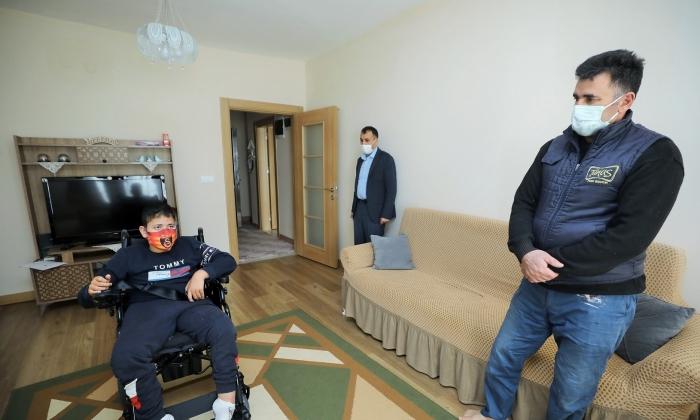 Şehitkamil'in Tekerlekli Sandalyesi ile ev turuna çıktı