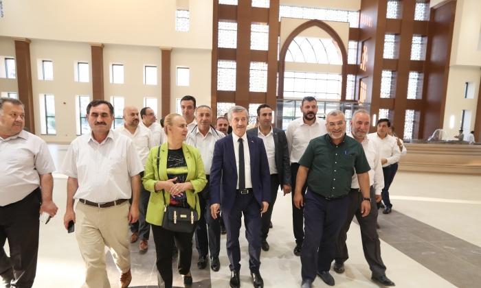Tahmazoğlu Meclis üyelerine hizmetleri gezdirdi