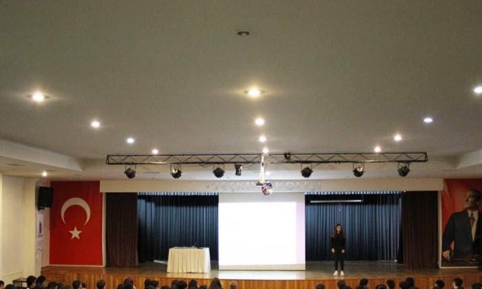 Seçkin Koleji'nde internet kullanımı semineri