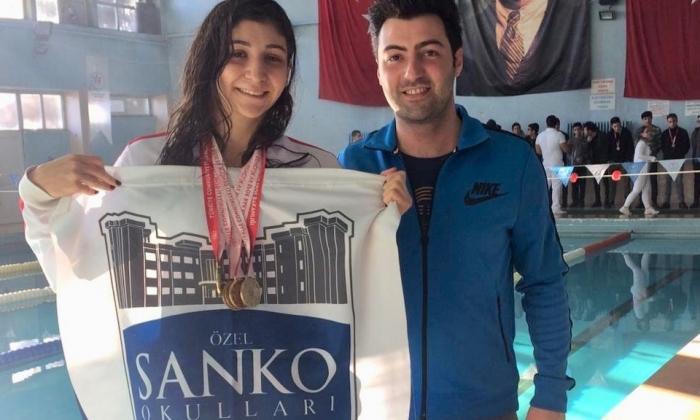 Sankolu öğrenci 4 madalya topladı